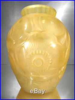 1920-30 P. D'avesn Saint-remy Vase Pavots En Verre Soufflé-moulé Art Déco