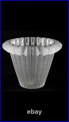 ART DECO Rene Lalique Vase Modèle ROYAT Circa 1936