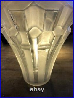 Art Deco Vase Modèle Prismes Signé Hunebelle
