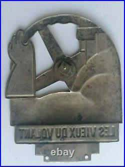 Badge Automobile Roger Perot Les Vieux Du Volant 1910 Plaque Art Deco Mascotte