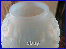 Bel ancien vase boule de verre art deco epok 1930 verlys opalescent pate