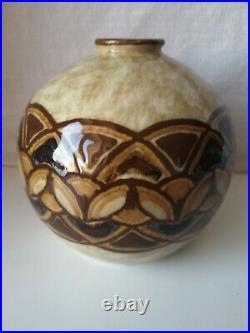 Camille Tharaud Limoges, vase boule en porcelaine Art-Déco