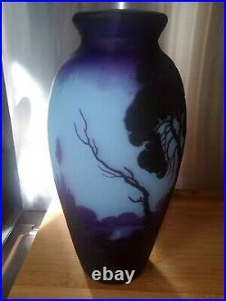 Grand vase en pate de verre dégagé à l'acide daum gallé art deco décors lacustre
