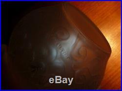 HUNEBELLE. A. Art deco vase- style lalique