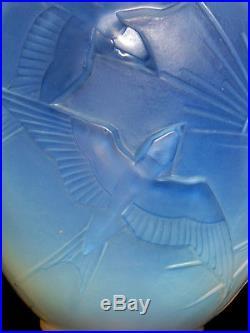Joli vase art-deco hirondelles soleil couchant par SABINO, era lalique daum Ga