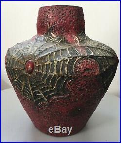 Josef Strnact Teplitz J. S Austria vase Art Deco en céramique toiles d'araignée