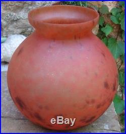 -Large Vase Boule Art Deco 1925-1930 en verre signé LORRAIN