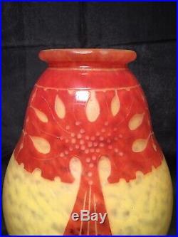 Large Vase Le Verre Français Dépoque Art Déco Modèle Amarantes XXème gallé daum