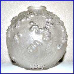 René LALIQUE Vase Druide en verre moulé Gui de chêne signé ART DECO 1924
