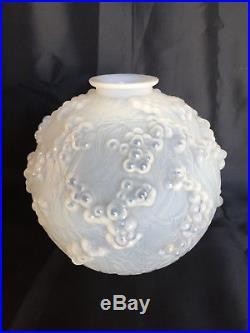 Rene Lalique, Art Deco, Grand Vase En Verre Opalescent Dit Vase Druide Anne 1924