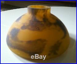 Robj Paris Art Déco vase pâte de verre signé