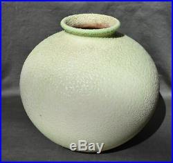 SEVRES VINSARE Vase ovoïde en céramique vermiculée ART DECO Coral Crispe