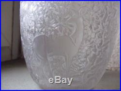 Superbe vase biche en Verre soufflé moulé par René Lalique art déco