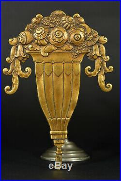 Très belle paire de Parements en bronze doré Art Déco vases fleuris et pompons