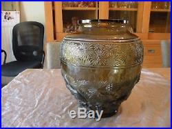 Très rare vase Verlys Art Deco circa 1930. Grand vase aux Ecureuils