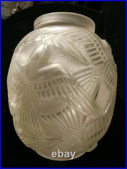 Vase ART DECO D'AVESN modèle Hirondelles blanc non signé