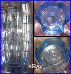 Vase ART DECO en cristal bleu taillé motifs géométriques