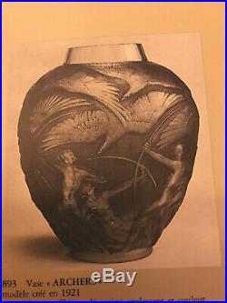 Vase Archers DAprès R. Lalique Art Deco Hauteur26cm Bon État
