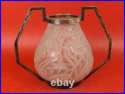 Vase Art Déco, Verre Moulé Pressé. Signé Lorrain Nancy France. D'Avesn Vers 1930