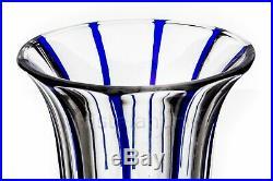 Vase Art Déco bleu par Baccarat. Blue Art Deco vase by Baccarat