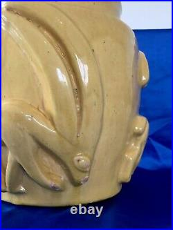 Vase Art Déco en Céramique Terre Cuite Décor dantilope Signé Art Deco vase
