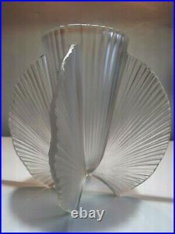 Vase Art Déco verre pressé moulé Pierre D'AVESN 1930 Modèle rare à la vente