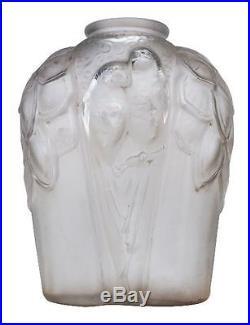 Vase Art déco en verre moulé aux perroquets