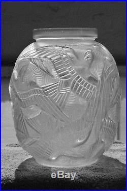 Vase D'Avesn Art Déco style Daum Lalique Muller Verlys Sabino