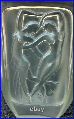 Vase art deco verre moulé pressé décor danseuses nues