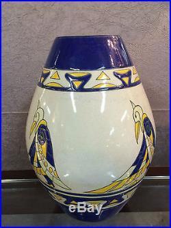 Vase en céramique émaillé de style Art déco à décors d'oiseaux (signé. Numéroté)