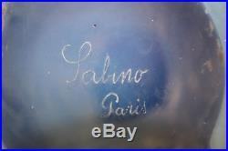 Vase en verre soufflé-moulé opalescent Art Déco par M. E. Sabino, Paris 1920-1930
